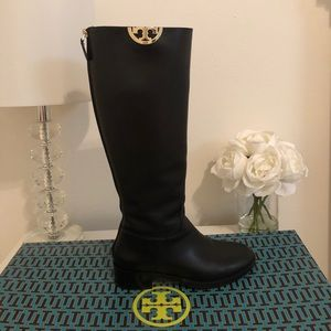 6703c907512 Tory Burch Shoes - Tory Burch Sidney Boot Size 7